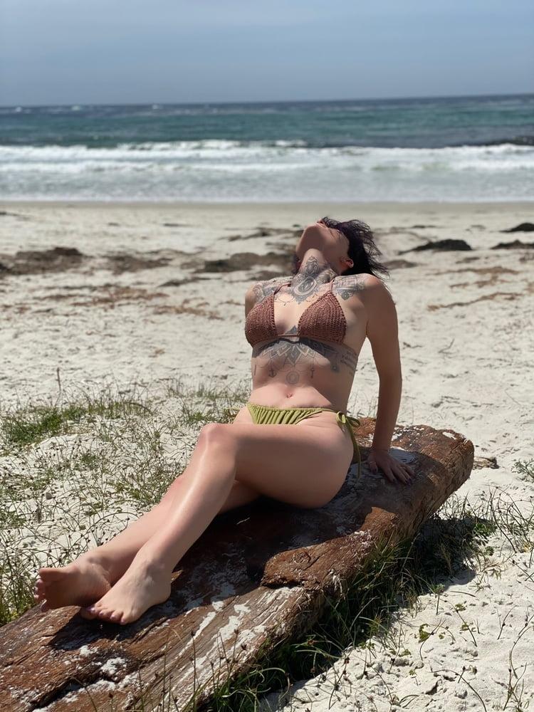 Hot Summer Photos - 17 Pics