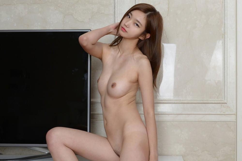 Nude public photo shoot