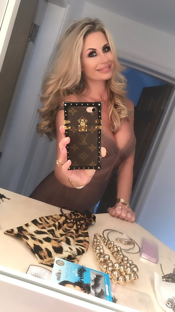 Ester (Dee) Dohnalova