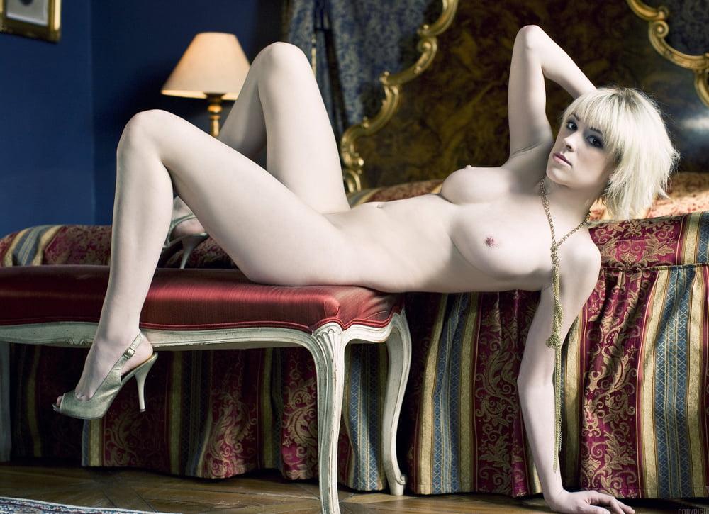 Jennifer White 4