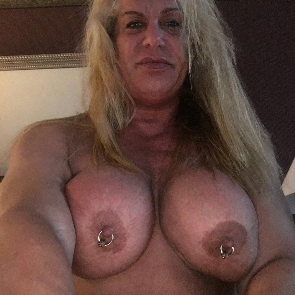 nicole-bass-topless