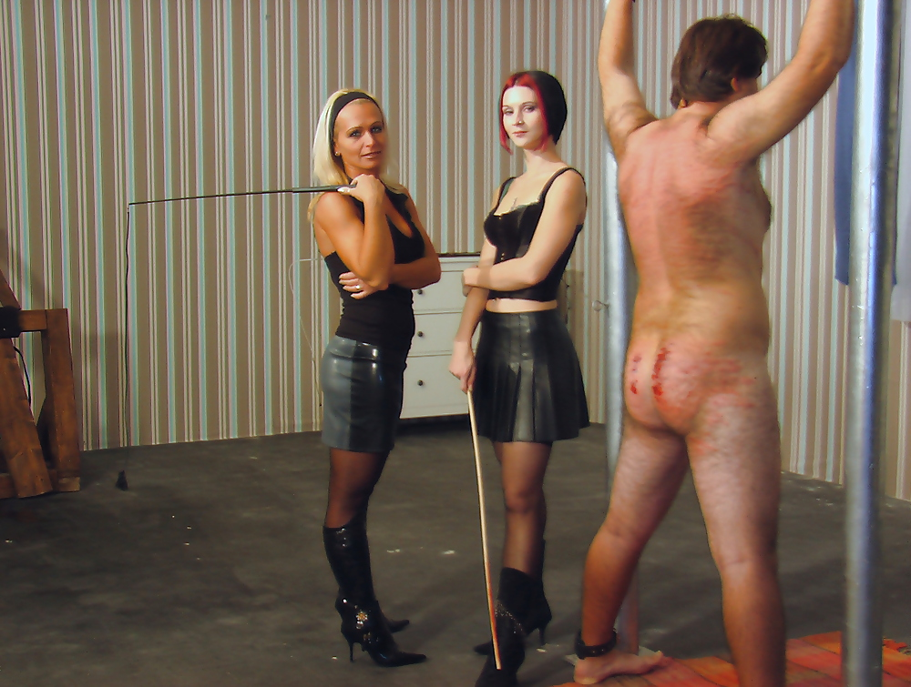 whipping-scenes-on-video-femdom