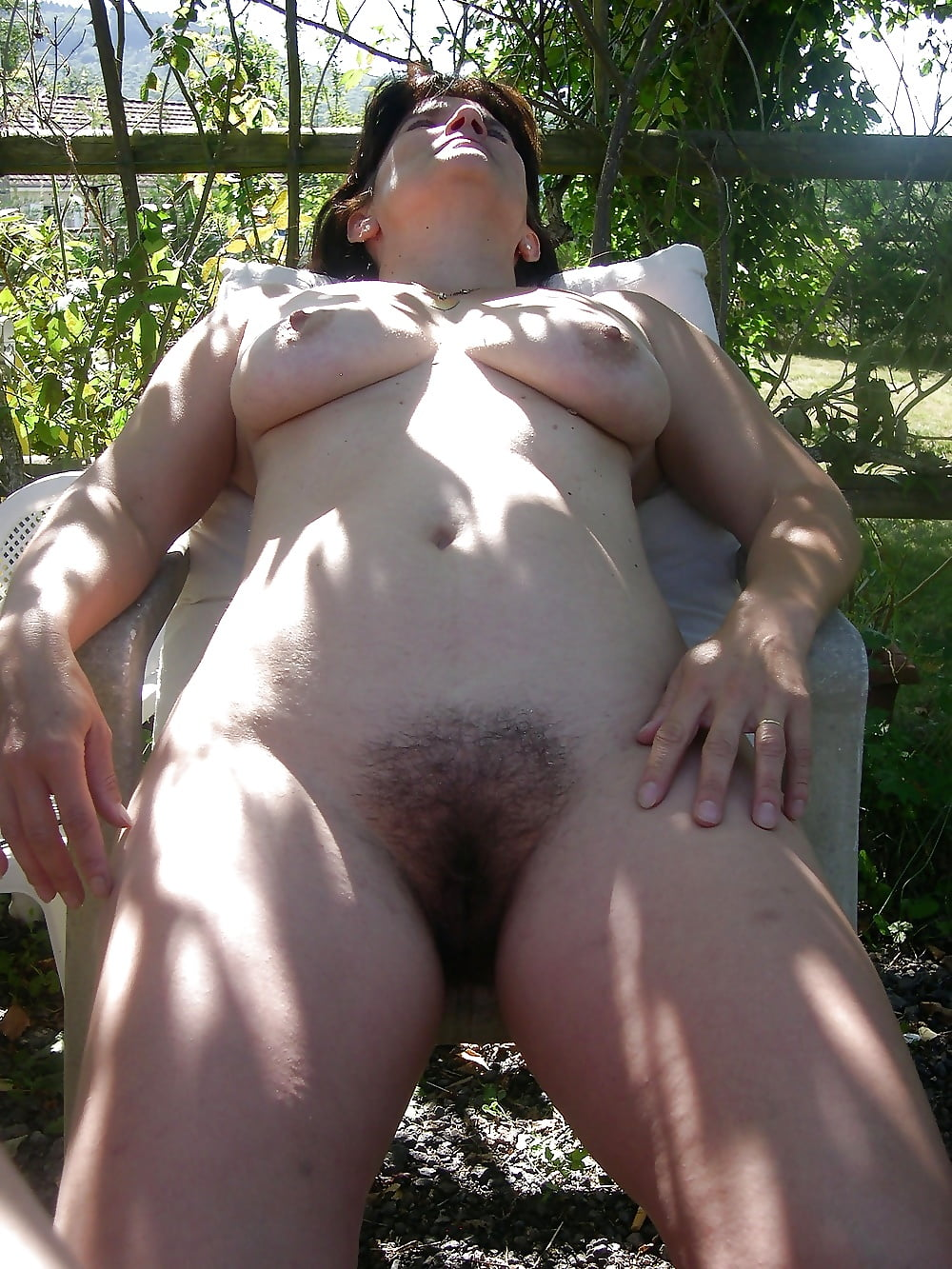 Wife cleaning nude-6607