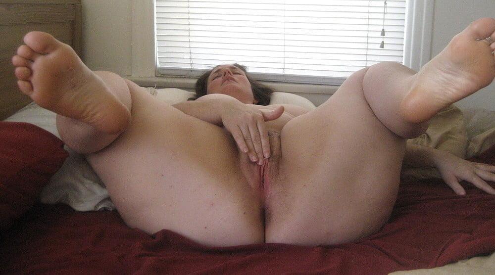 Nude fat women masturbating