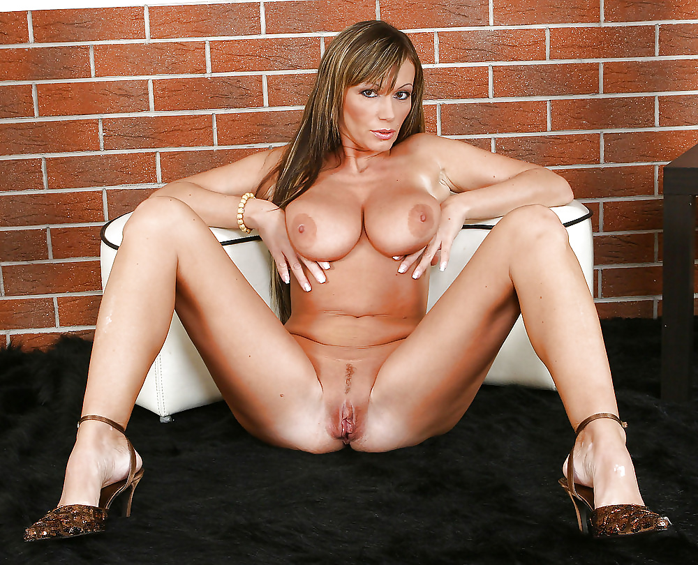 Pretty naked cougar 7