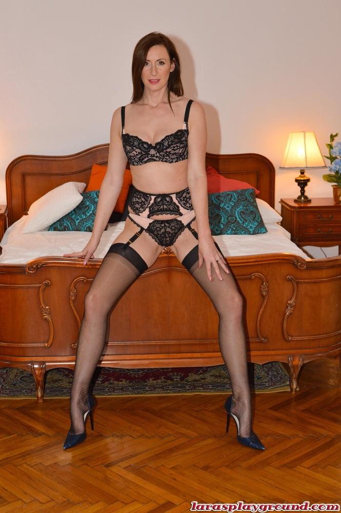 Legs, Feet & Stockings 83 - 280 Pics