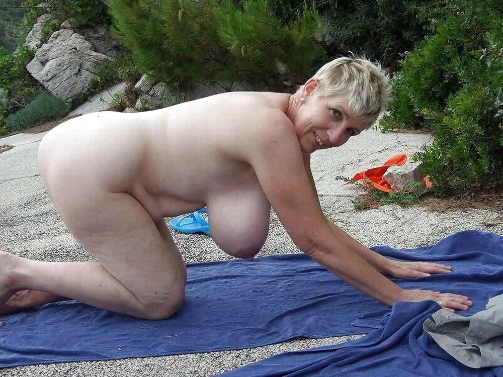 big-boobs-granny-naked-beach