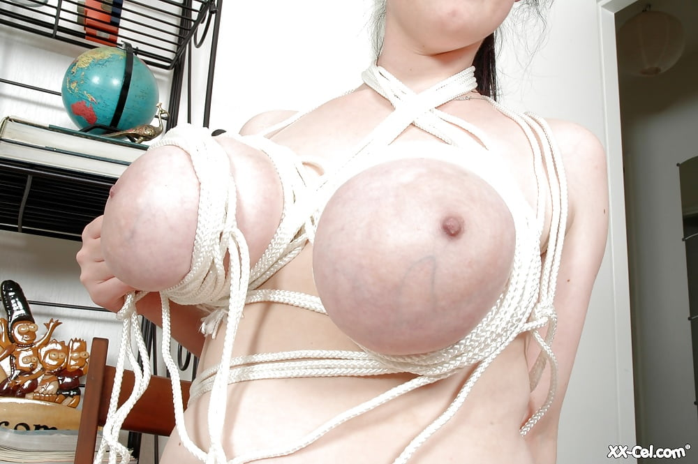 tie-up-a-girls-boobs-rope-babes-muslim