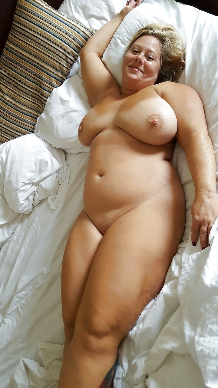 Curvy nude older housewives