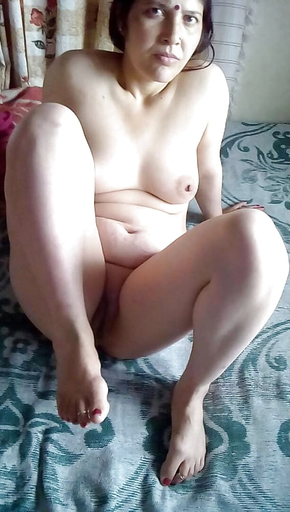 Topless Nude Aunty Pussy Png