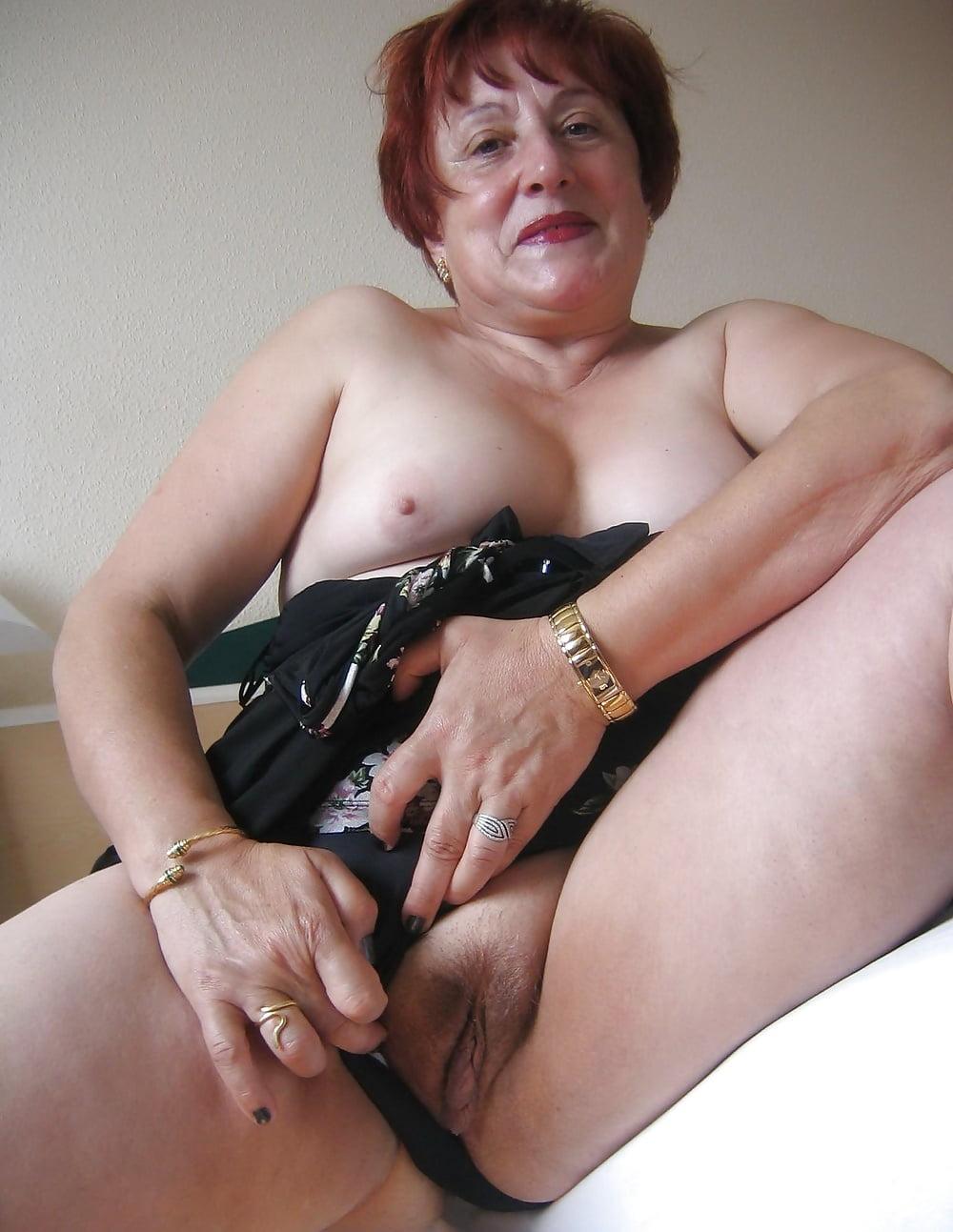 porno-starie-drochili-mamochki