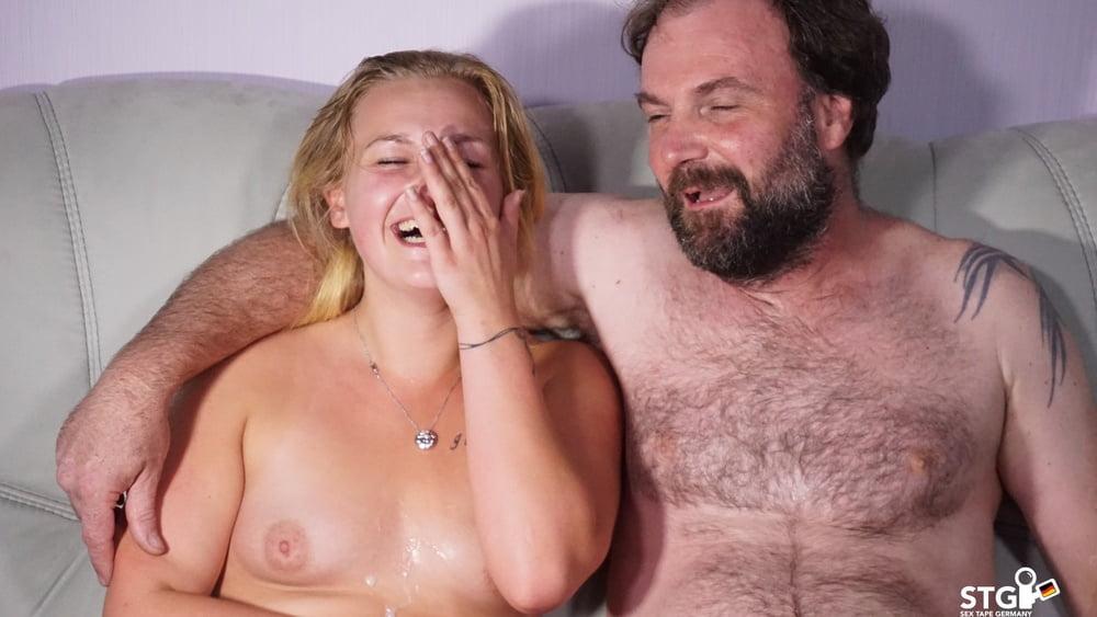 German Teen (18+) Webcam Sex with Mature Guy - 15 Pics