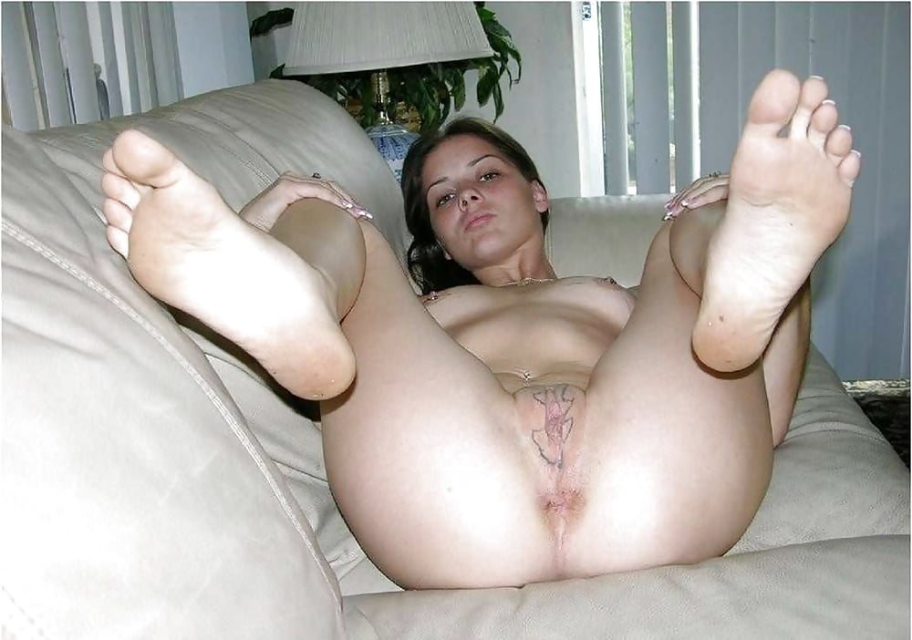 naked-amatuer-feet