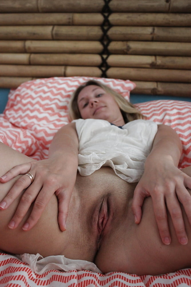 Asian spreading pussy