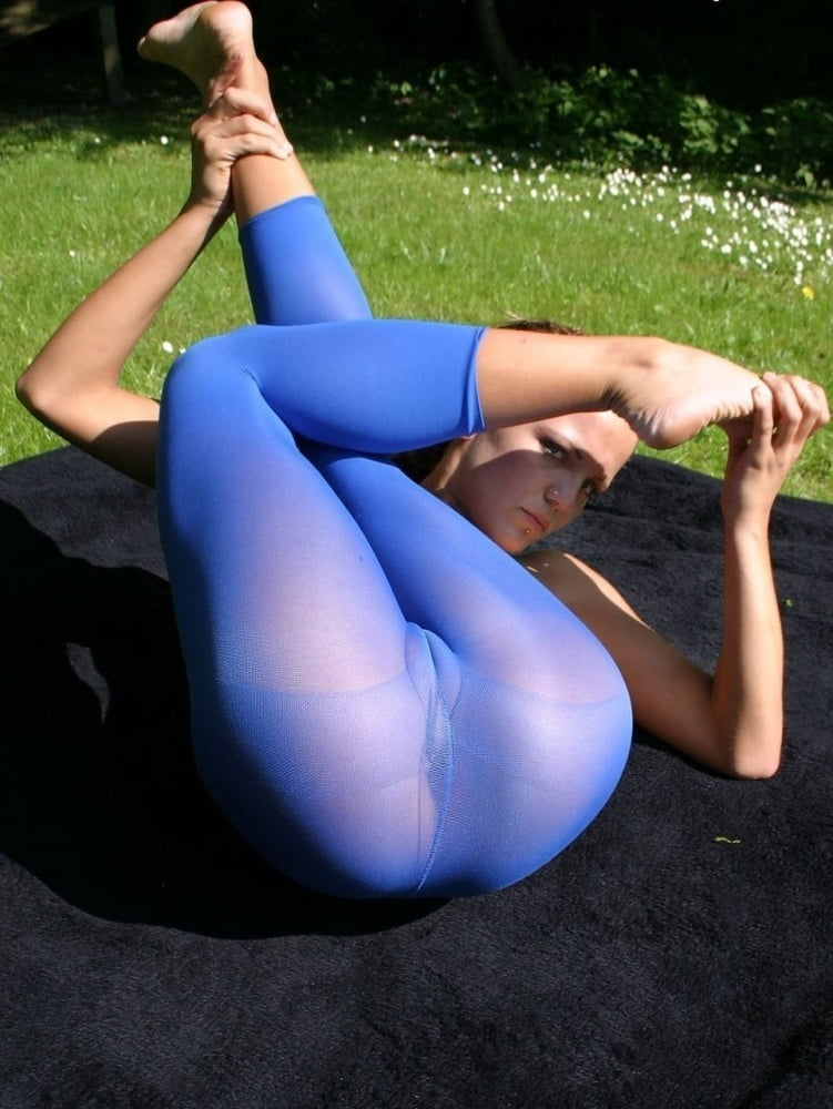 young-pussy-in-spandex