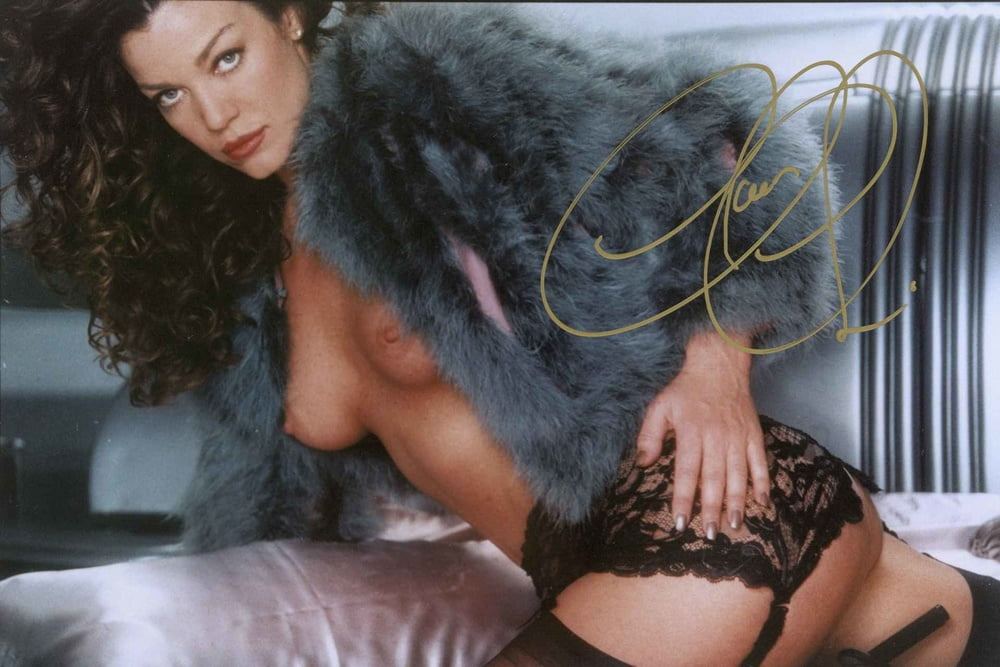 Limited edition claudia christian autographed card nude