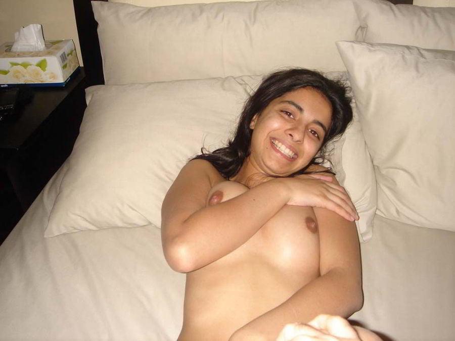 Indian nerdy girl nude 13