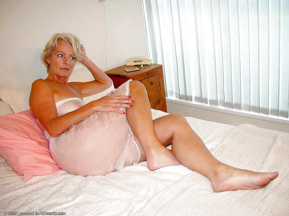 Naked granny in bed, free group sex movies pichunter