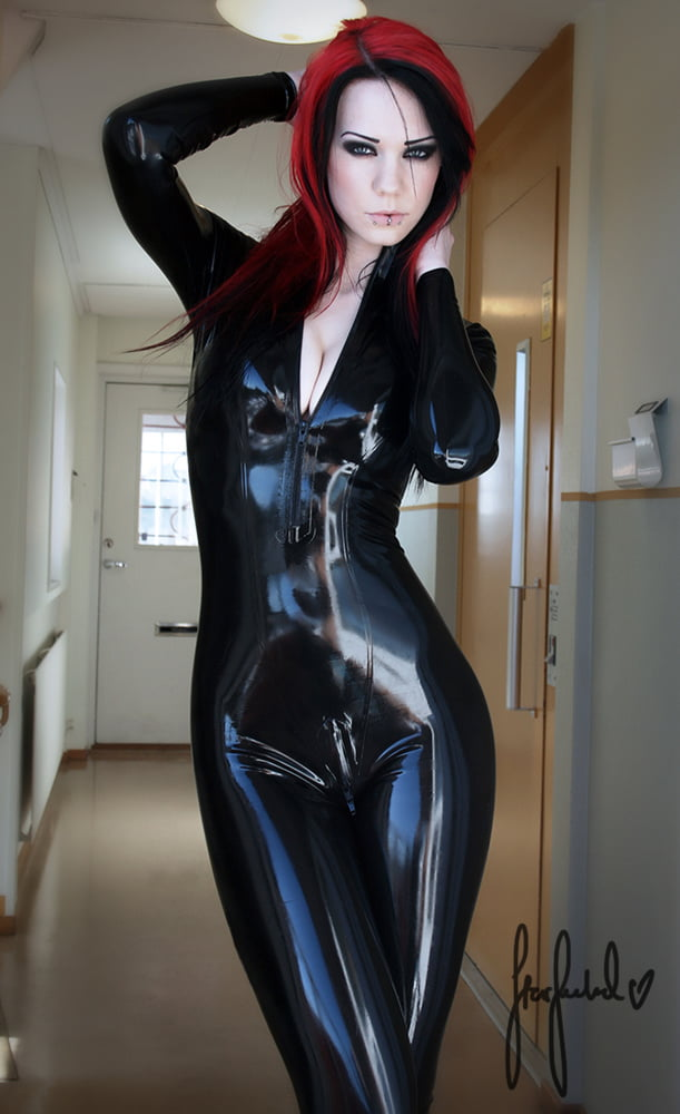 Leather Outfits - 509 Pics
