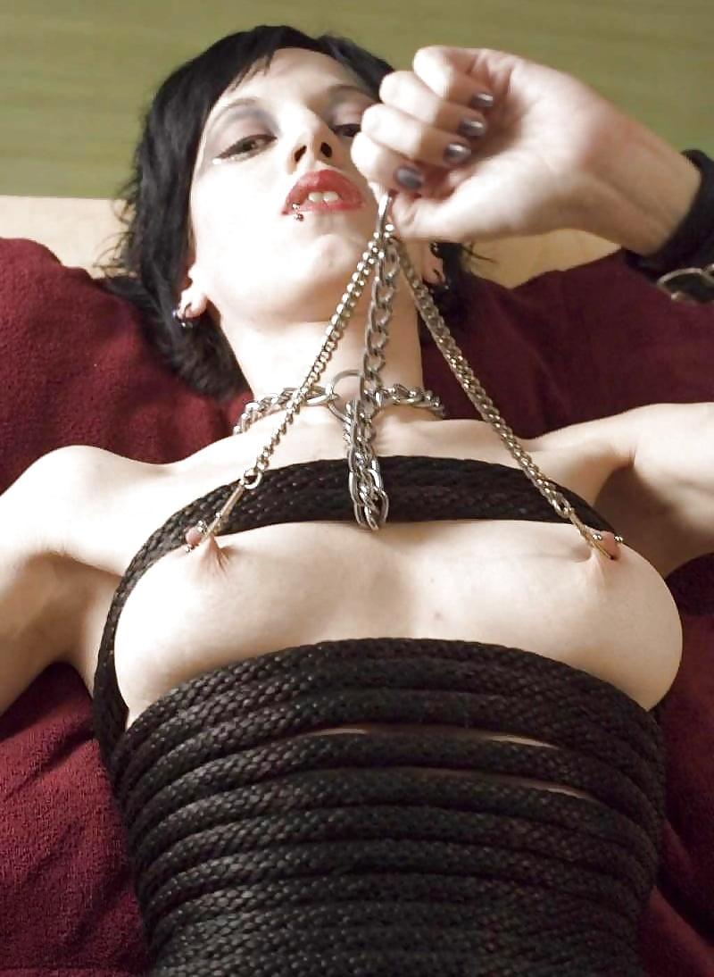 sexy-naked-girls-with-nipple-clamps