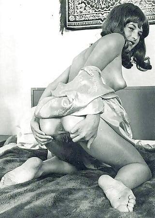 Hot porno Girl deepthroating huge cock