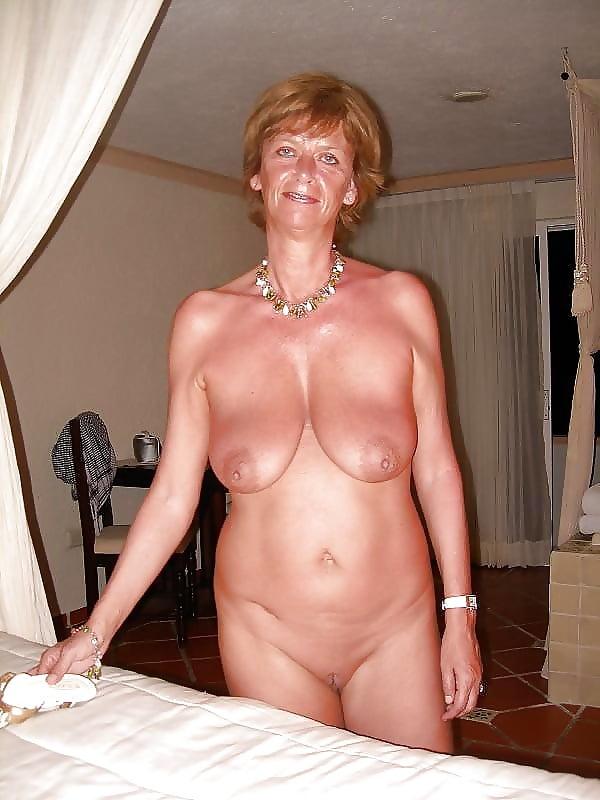 Superstar Nude Sehr Alte Damen Gif