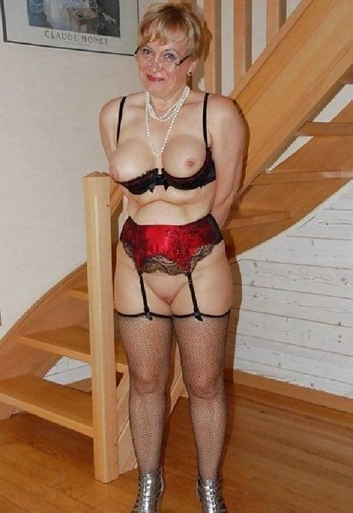 Granny Dessous