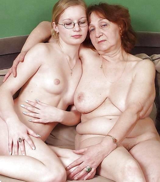 Порно Дочка Мама Бабушка И Сын