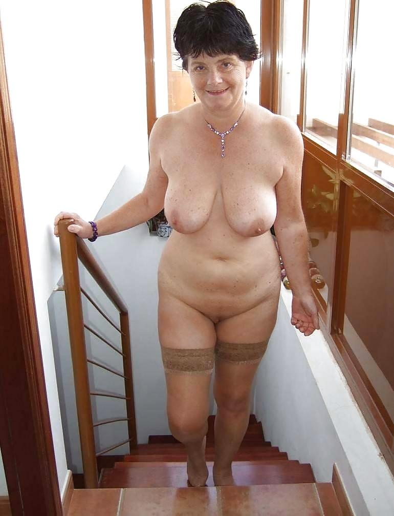 простые женщины всех возрастов в голом виде на фото сейчас