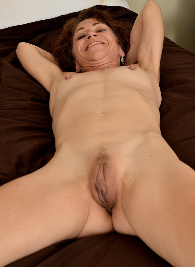 Shaved granny pussy, porn