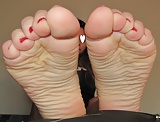 Sexy young little feet ready for footjob!