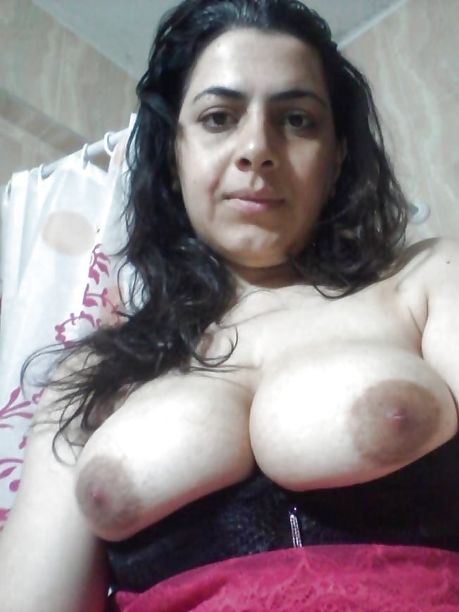 Pretty Fur Covered Arab Girl Riani Jerking