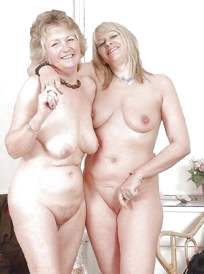 Elderly woman naked