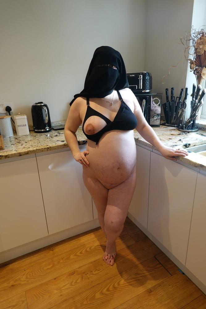 Pregnant Wife in Muslim Niqab and Nursing Bra - 50 Pics