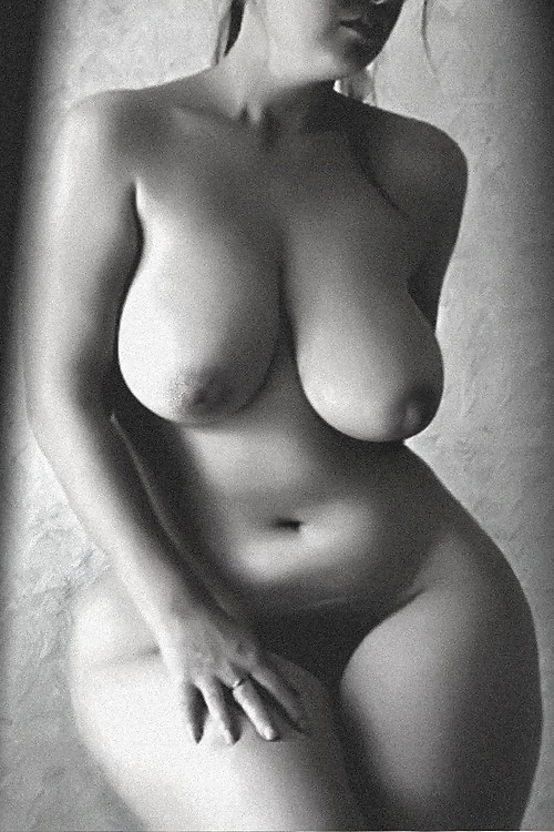 Boobs nude pictures of full figured women young girls