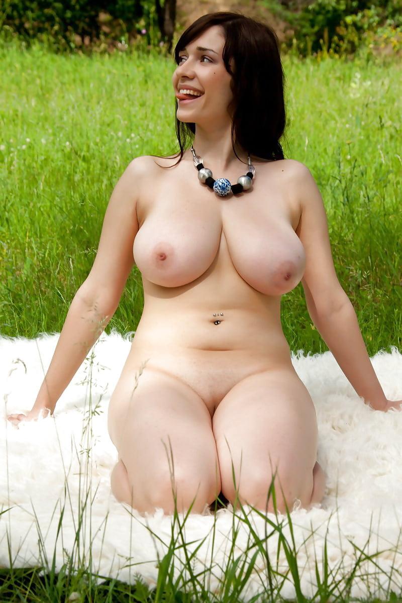 Фото голые крупные женщины #15