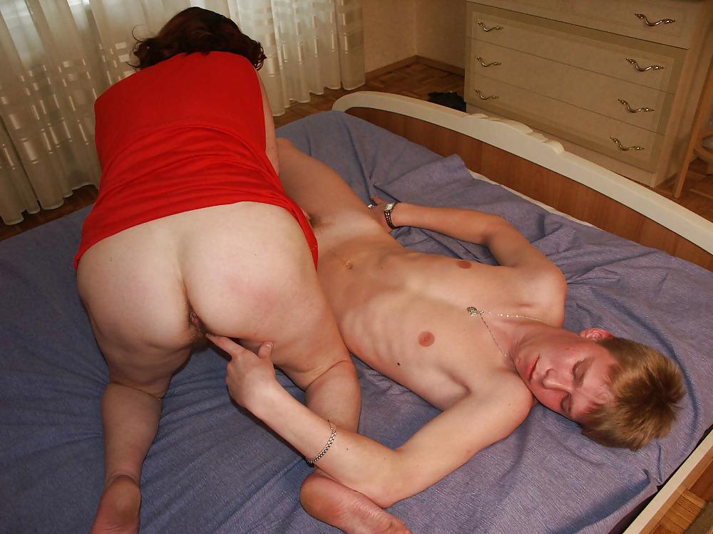 Mum and son sleep together