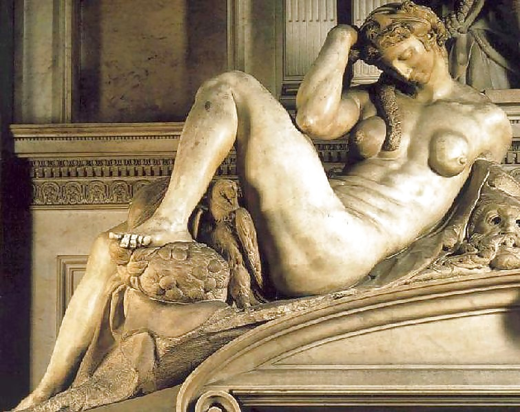Bikini Nude Statues Pics