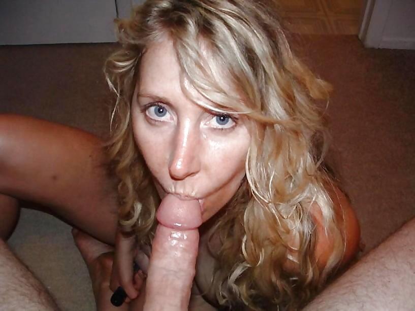 Amature blonde milf sucks cum nude