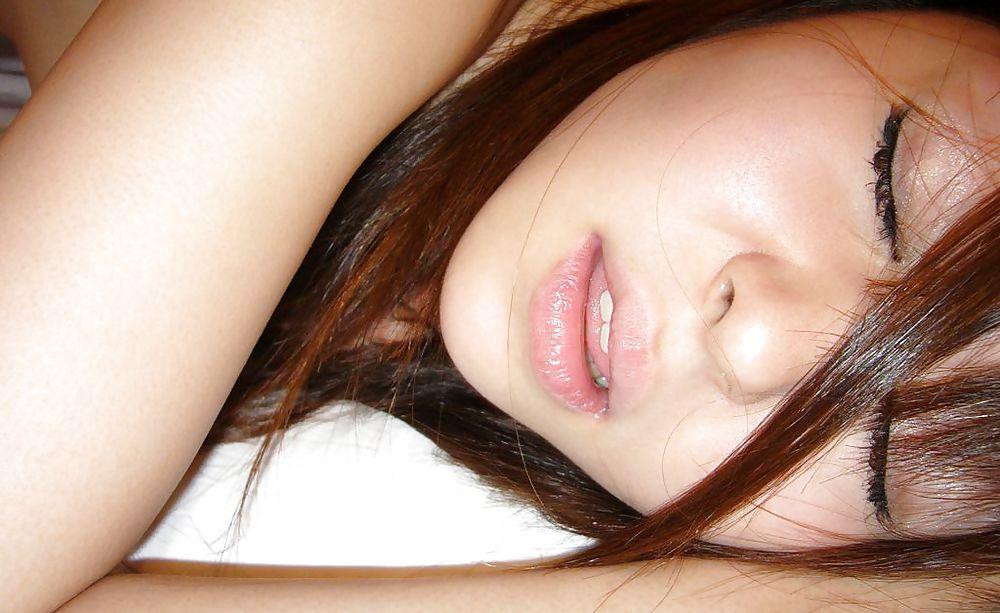 zhen-privat-vipleskivanie-zhenskoy-spermi-pri-orgazme