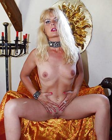 Coco the slut Sexy en Pics of Blonde - 11 - Coco la Perra