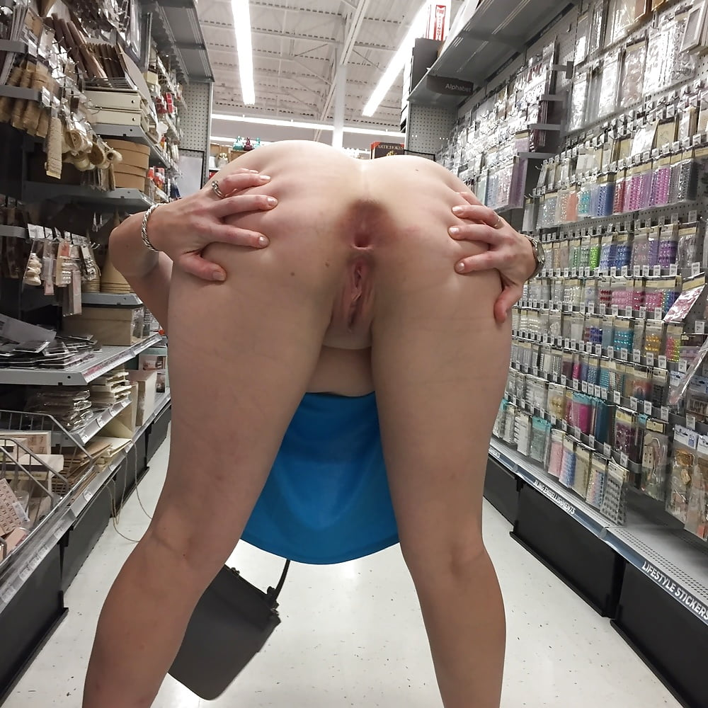 Rear pussy with a side of buttplug porn pic