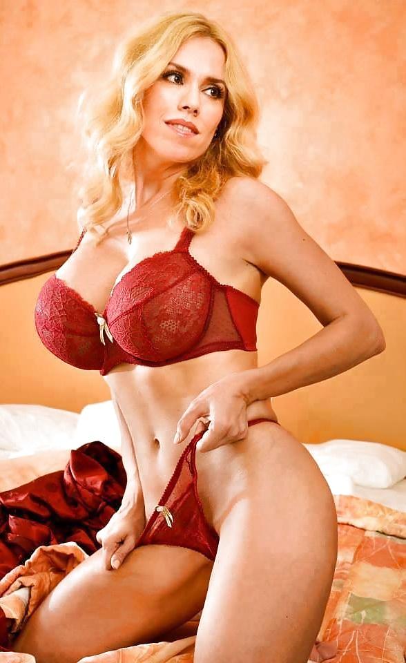 Natasha kizmet naked — pic 2