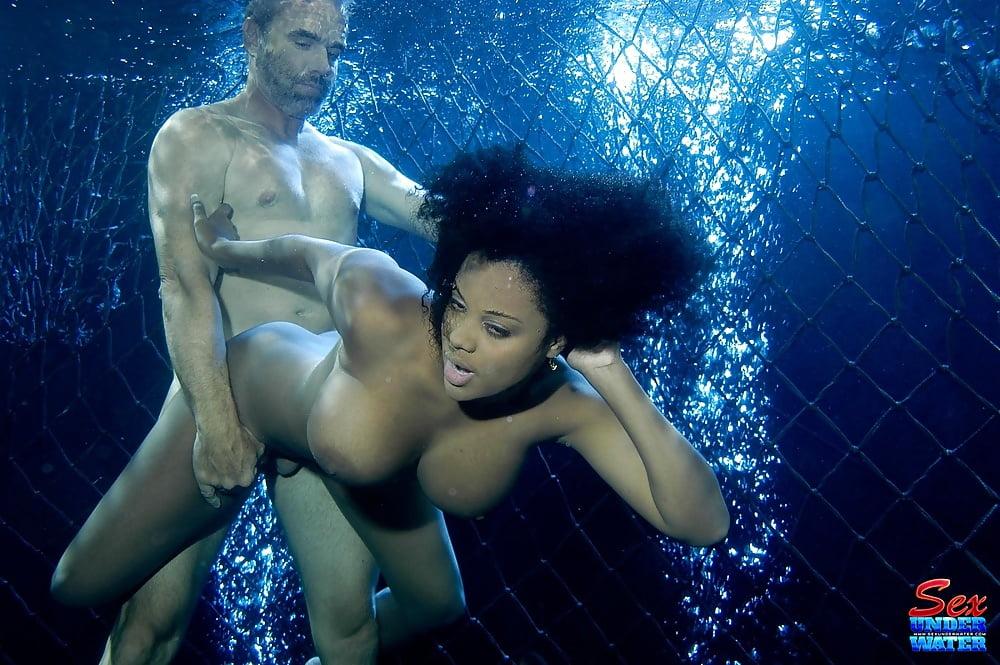 Starr underwater alia