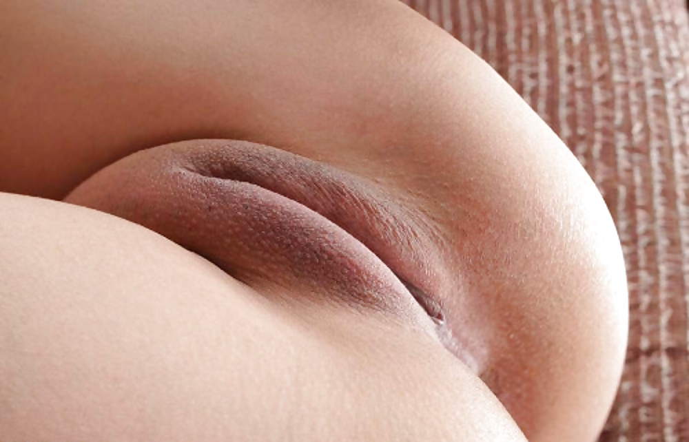 Dripping cameltoe pussy and hard nipples — pic 9