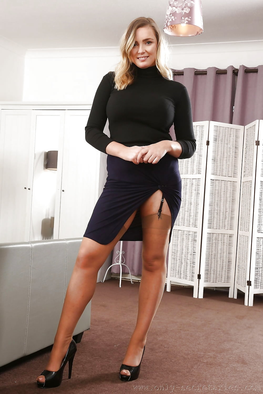 Hot Asian Milf Tera Patrick Peels Short Skirt To Flash Her Round Ass