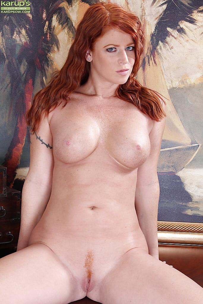 nude-redhead-cougar