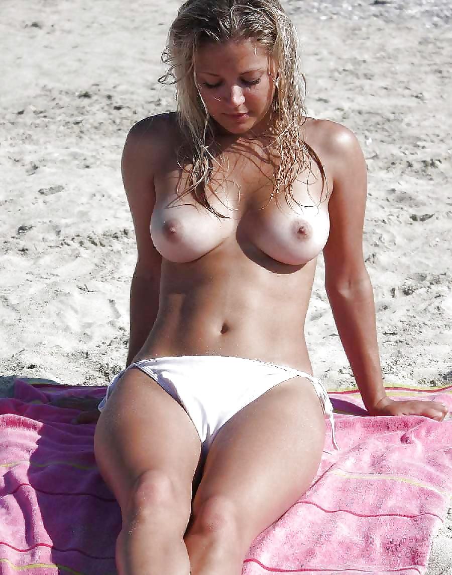siski-zagar-plyazh-bikini-lyubitelskie-foto
