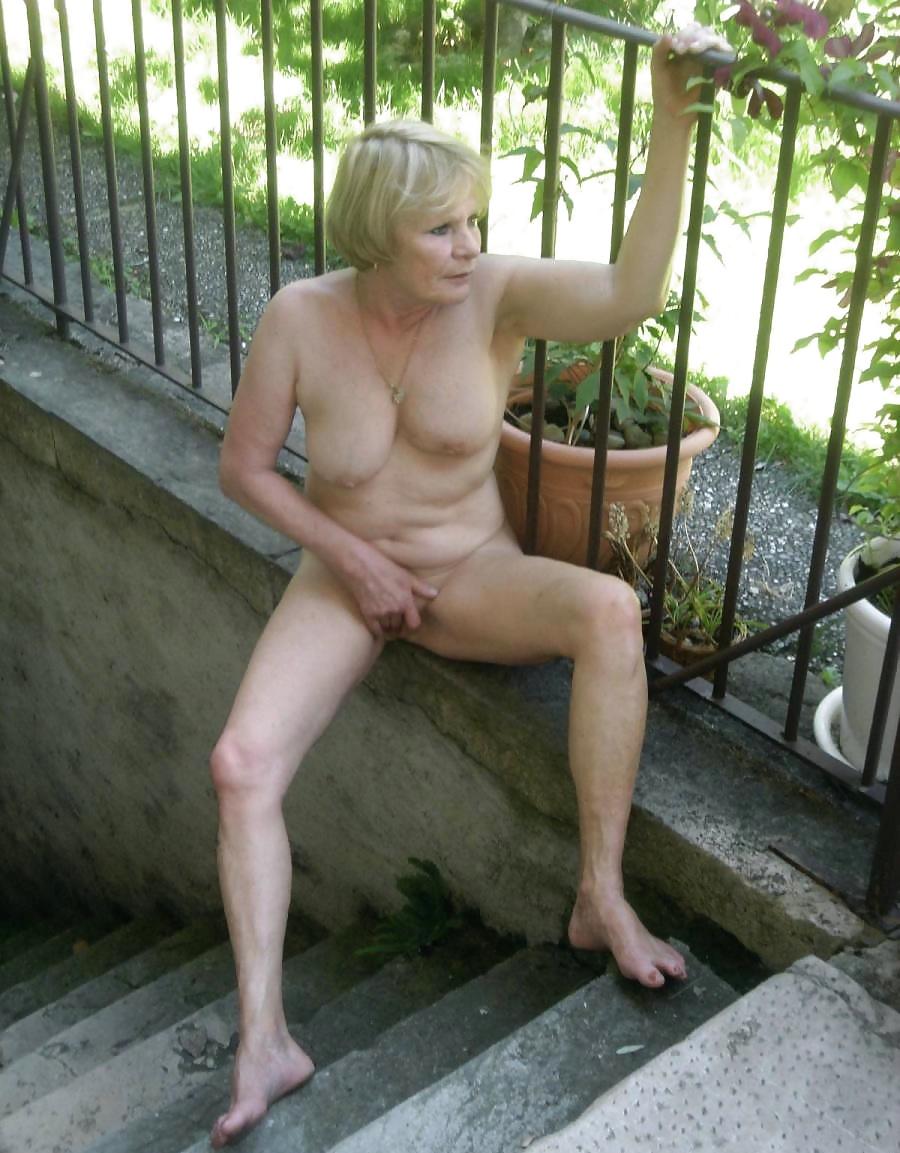 Best Cash Me Outside Naked Pics Gif