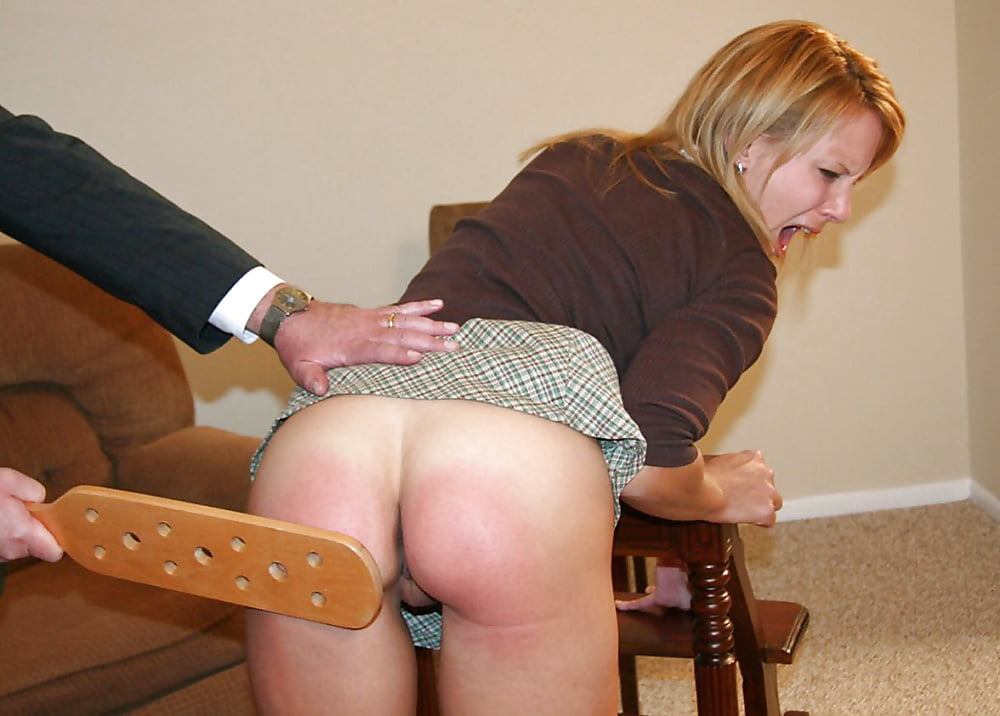 a spanking bottom Wife gets bare
